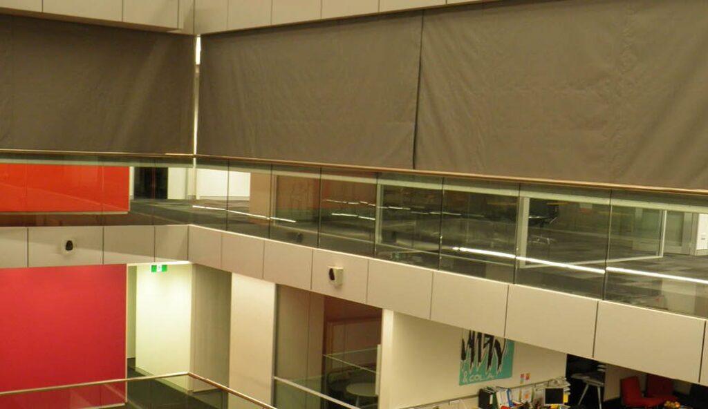Применение противопожарных и противодымных штор в торговых центрах